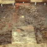Badania archeologiczne w 2008 r. Pozostałości fundamentów kamiennych budynków grodu drewnianego