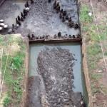 Badania archeologiczne w 2005 r. Odsłonięty przyczółek mostu drewnianego